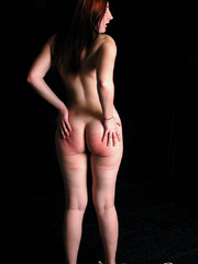 Naked ginger model posing on cam exposing - XXX Dessert - Picture 3