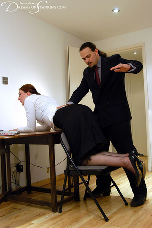 Big boss gets horny when spanking his gi - XXX Dessert - Picture 4