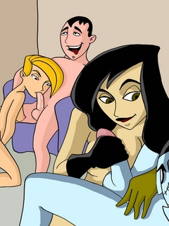 Horny dudes queuing to please dirty bitch Shego from - Picture 1