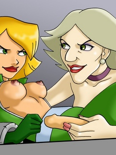 Lewd Clover from Totally Spies pleasing Sam's - Cartoon Sex - Picture 2