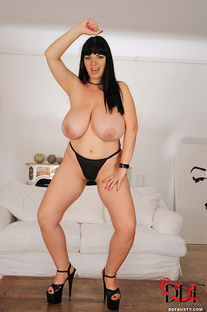 Chubby brunette bitch changing various c - XXX Dessert - Picture 12