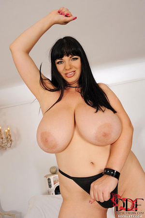 Chubby brunette bitch changing various c - XXX Dessert - Picture 13