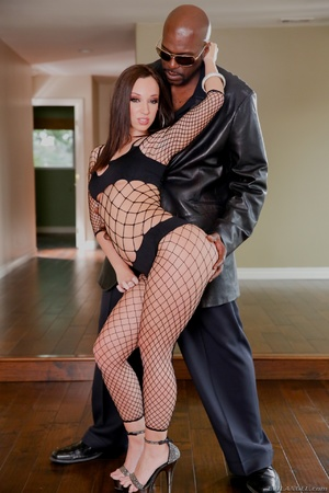 Ginger bitch in fishnet body gets her twat drilled with a thick black boner - XXXonXXX - Pic 2