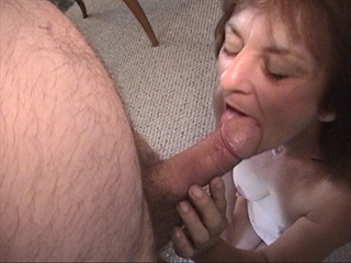 Slutty granny gets her experienced pooper slammed with a - Picture 3