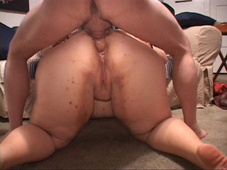 Dirty white bitch gets her fat ass banged hard in doggy - Picture 2