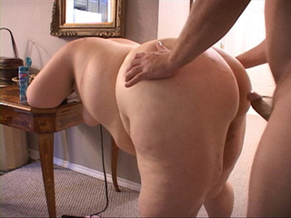 Dirty fat slut gets her butthole screwed with a dildo - Picture 3