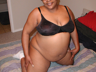 Swarthy fat mom in glasses and black bra gets pounded - Picture 2