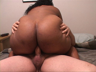 Black BBW enjoys jumping on a stiff rod a lot - Picture 4