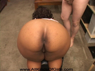 Busty black fatty gets her asshole plugged with a thick - Picture 2