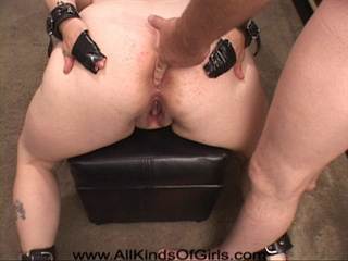This big blonde ho adores bdsm and hard anal sex - Picture 4