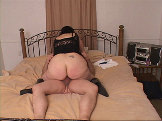 Plump mom with big juggs riding man's meat passionately - Picture 1