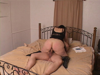 Plump mom with big juggs riding man's meat passionately - Picture 2