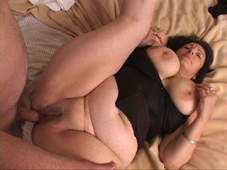 Horny man drilling milf's fat ass with a dildo preparing - Picture 4