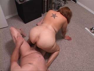 Red milf with a tattooed back gets her face fucked - Picture 3