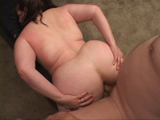 Fat mom opens her back door for a thick dick - Picture 3