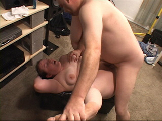 Horny dude fingering fat cooch before penetration - Picture 3