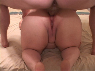 Curly BBW spreads her fat legs to take a thick meat into - Picture 2