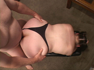 Slutty fat milf loves hard anal banging a lot - Picture 1