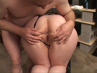 Pigtailed fat brunette bitch gives head before filthy - Picture 3