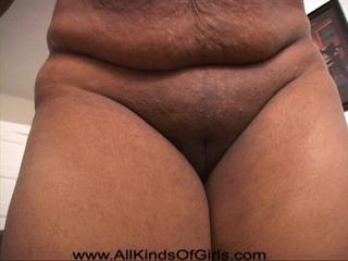 Chubby ebony slut gets naked preparing for hot fucking - Picture 4