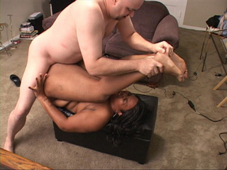 Awesome pics with a black milf gets assfucked badly - Picture 3