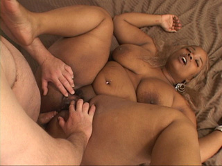 Bust black bitch gets her pooper rimmed badly - Picture 3