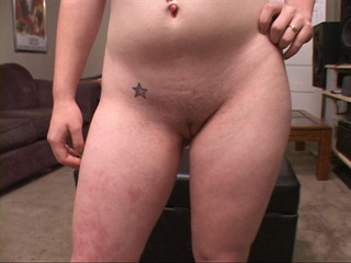 Nasty housewife with chubby ass giving head to a dude - Picture 3
