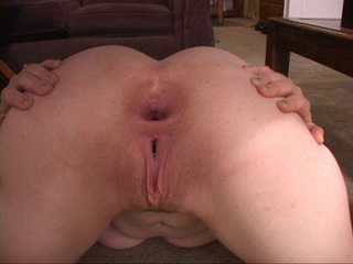 Dirty housewife demonstrating her slammed asshole after - Picture 1