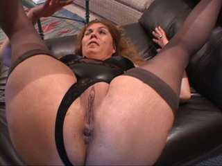 Nasty Mexican granny in stockings gets her old cunt - Picture 3