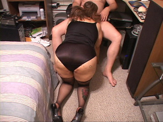 Bootylicious Mexican old bitch sucking a stiff rod - Picture 3