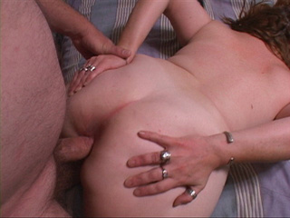 Slutty chubby MILF takes a long dong into her asshole on - Picture 2