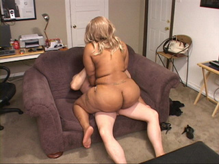 Fat ass ebony slut in a blonde wig riding on a man's - Picture 2