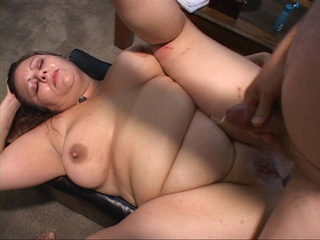 Fat bitch with huge titties gets her pooper drilled - Picture 4