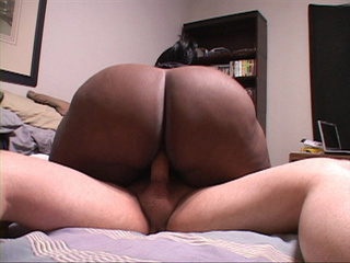 Black slutty MIL with a chubby ass and big tits riding - Picture 3