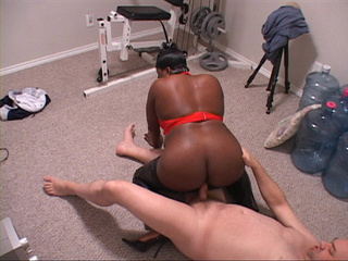 Chubby black bitch in a red top  gets it from behind on - Picture 3