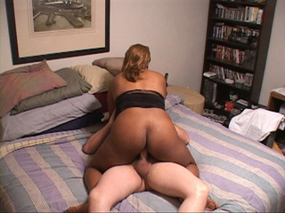 Big black milf jumping on a stiff rod with her huge tits - Picture 3