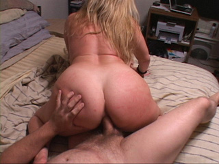 Long-haired chubby blonde gets her asshole drilled badly - Picture 1