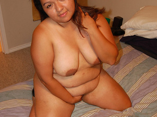 Chubby swarthy mom enjoys hard anal banging - Picture 3
