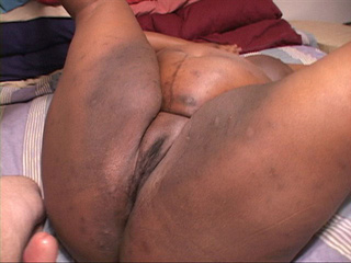 Extremely fat black mama gets her pooper pounded hard - Picture 2