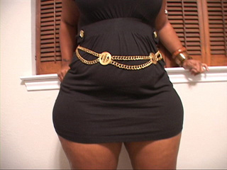 Bodacious ebony mamasita in a black sexy dress came for - Picture 4