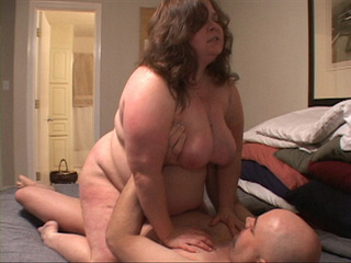 Curly fat bitch enjoys riding a stiff rod before dirty - Picture 3