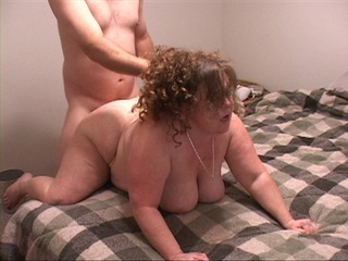 Chubby milf in black top and panties gets banged - Picture 2