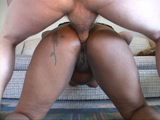 Horny white dude banging hard cool ebony chick into - Picture 2