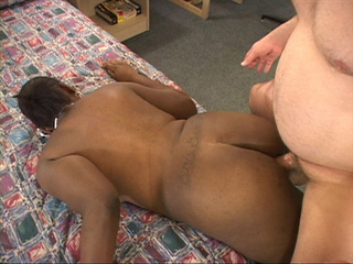 Bootylicious ebony slut gets her asshole doggystyled by - Picture 1