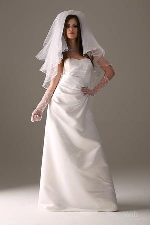 Teen bride in wedding dress - XXX Dessert - Picture 2