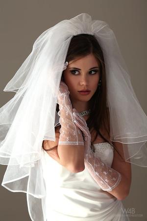 Teen bride in wedding dress - XXX Dessert - Picture 4