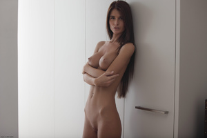 Slim long-haired beauty with big tits po - XXX Dessert - Picture 3