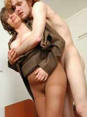 Curly dude convince a mature lady - Sexy Women in Lingerie - Picture 11