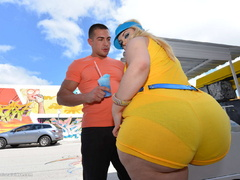 Blonde fatty in yellow suit enjoys fucking - Picture 2