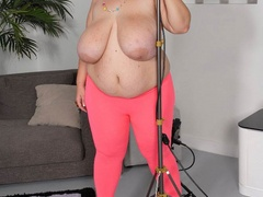 Huge bitch in pink leggings fucked - Picture 6